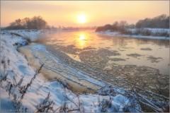 Узоры на реке (снимок сделан 9 декабря 2012 г.)