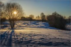 Вечерний снег на закате (снимок сделан 10 февраля 2015 г.)