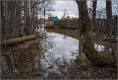 Потоп на дачных участках ( Снимок сделан 21 апреля 2013 г.)
