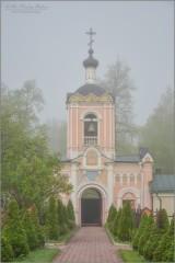 Колокольный звон умолк, молит Бога братский полк (снимок сделан 6 мая 2012 г.)