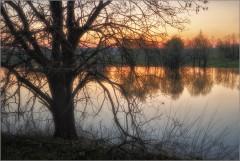 Разлив на закате (снимок сделан 5 мая 2013 г.)