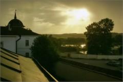 Отблески вечернего солнца (снимок был сделан 24 мая 2010 г.)