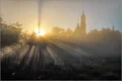 Свет Оптинского утра ( Снимок сделан 21 мая 2014 г.)