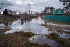 Потоп на дачных участках_2 ( Снимок сделан 21 апреля 2013 г.)