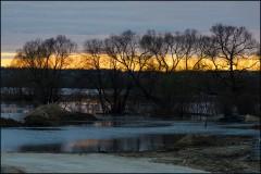 Теплая полоска заката ( Снимок сделан 21 апреля 2013 г.)