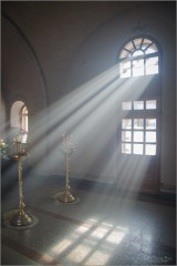 Свет в часовне (снимок сделан 25 февраля 2013 г.)