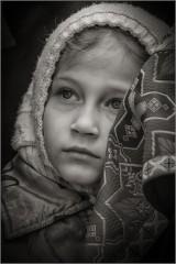 За батюшкиной спиной ( Снимок сделан 25 апреля 2014 г.)