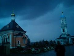 Оптина вечером. Дождь.