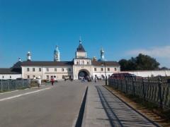 Вход в монастырь 12.08.2012